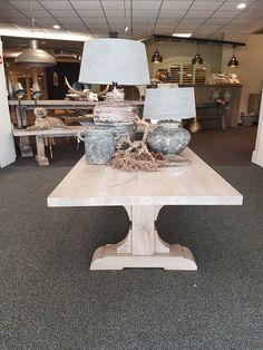 Maatwerk salontafel, Nederlands fabricaat. Op iedere gewenste maat en in iedere gewenste kleur leverbaar.
