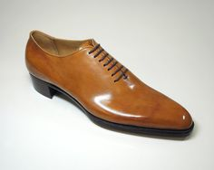 Saion bespoke whole cut oxford in tan with 7 eyelets