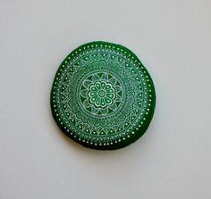 Hand Painted Stone Mandala https://www.facebook.com/ISassiDelladriatico #paintedstones