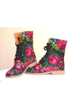 Ethnic Russian Flower Lace up Boots in canvas flower print