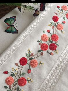 Wonderful Ribbon Embroidery Flowers by Hand Ideas. Enchanting Ribbon Embroidery Flowers by Hand Ideas. Hand Embroidery Patterns Flowers, Hand Embroidery Dress, Embroidery Works, Simple Embroidery, Silk Ribbon Embroidery, Hand Embroidery Designs, Floral Bedspread, Crochet Bedspread, Bullion Embroidery