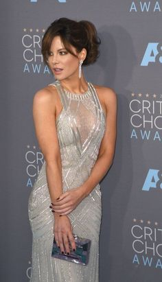 Kate Beckinsale in a sheer cleavage dress - Kate Beckinsale Sexy Legs and Great Curves Kate Beckinsale Hot, Kate Beckinsale Pictures, Underworld Kate Beckinsale, Beautiful Celebrities, Beautiful Actresses, Most Beautiful Women, Kate Hudson, British Costume, Pearl Harbor