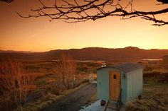 Looking for glamping accommodation in The Highlands? Discover more details/information about Skye Shepherd Huts including facilities, what's nearby & contact details today. Glasgow, Country Breaks, Glamping Holidays, Canopy And Stars, Tiny House Swoon, Shepherds Hut, Location, Trip Advisor, The Good Place
