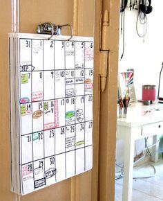 Die eigenen oder gemeinsamen Termine müssen immer gut markiert sein. Dazu eignet sich der ganz spezielle Wandkalender für Familien und gemeinsame Haushalte.