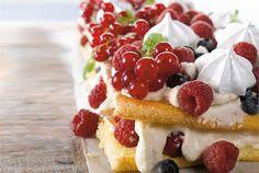 Berry Cake, Waffles, Raspberry, Sweet Tooth, Berries, Fruit, Breakfast, Morning Coffee, Waffle