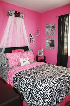 Teen Girl Bedrooms - From amazing to a dream bedroom decor help. Hungry for more brilliant teen room styling info simply press the image to read the post idea 7432374711 immediately Small Room Bedroom, Trendy Bedroom, Small Rooms, Girls Bedroom, Bedroom Decor, Bedroom Ideas, Dream Bedroom, Pink Bedrooms, Bedroom Designs