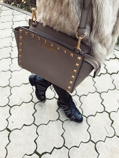 #streetstyle #details #michaelkors #ilpasso #boots #fauxfur #zaradaily #outfitoftheday
