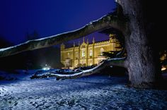 Want your wedding to be a winter wonderland? Take a look at how enchanting Missenden Abbey looks in the snow! www.missendenabbey.co.uk/weddings/