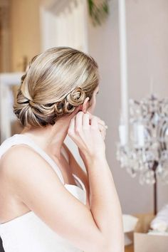 Elegant vintage up-do