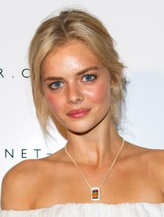 Red Carpet Beauty Wrap-Up: April 2013 - Samara Weaving http://primped.ninemsn.com.au/galleries/hair-galleries/red-carpet-beauty-wrap-up-april-2013?image=3