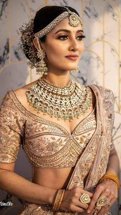 Indian Bridal Photos, Indian Bridal Outfits, Indian Bridal Fashion, Indian Designer Outfits, Indian Dresses, Indian Photoshoot, Bridal Photoshoot, Bridal Shoot, Indian Bridal Lehenga