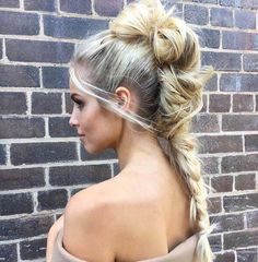 This warrior woman hairstyle is definitely one-of-a-kind!