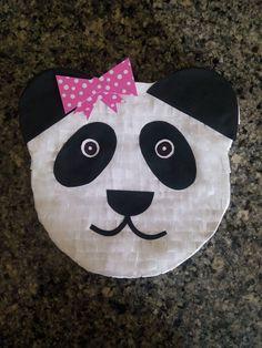 Mini piñata de oso panda Kids Rugs, Mini Pinatas, Kid Friendly Rugs, Nursery Rugs