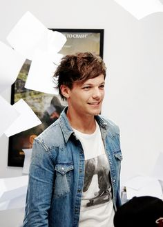 Louis in Best Song Ever <3 Louis gave me a heart attack in that music video!!! He's so amazing.