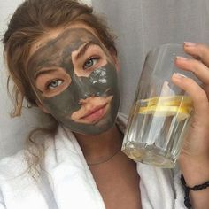 care aesthetic mask 29 trendy Ideas for skin bare photography face masks Diy Mask, Diy Face Mask, Face Mask Skin Care, Face Care, Body Peeling, Kreative Portraits, Too Faced, Homemade Face Masks, Tips Belleza