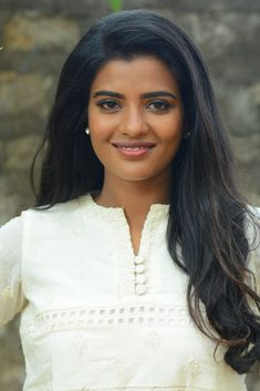 Indian Hot Girl Aishwarya Rajesh Stills In White Dress