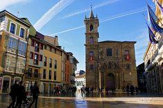 La iglesia de San Isidoro el Real es una iglesia y parroquia  situada en la Plaza de la Constitución, junto al ayuntamiento. La iglesia formaba parte en su fundación del desaparecido colegio de la orden de los Jesuítas de San Matías.