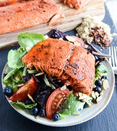 End your week with a juicy, salmon dinner! This Broiled Spicy Brown Sugar Salmon recipe is easy to prepare and the final product takes perfect over a fresh salad. Grilled Salmon Recipes, Spicy Salmon, Fish Recipes, Seafood Recipes, Dinner Recipes, Cooking Recipes, Healthy Recipes, Glazed Salmon, Roasted Salmon