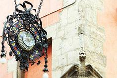ALT PENEDES Farola modernista en Vilafranca