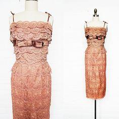 bitter root vintage / vintage 1950s mocha rose tiered lace wiggle dress - sm/med