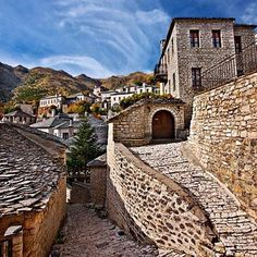 Sirrako, a gorgeous village in Epirus, Greece. Paros, Santorini, Paradise On Earth, Greece Travel, Plaza, Travel Pictures, Places To See, The Good Place, Tourism