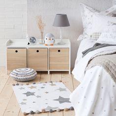 Zara home - Colores blanco, gris, madera. Pingüino decoración.
