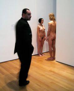 Marina Abramovic, MOMA, Nude performance