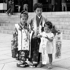 #tokyo #shinto #meiji #children #japanese #japan #kimono #blackandwhite #team_jp_ #pururu #yukata #wifirental