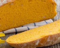Pumpkin bread without sugar and butter Donut Recipes, Bread Recipes, Healthy Recipes, Bread Without Sugar, Cocina Light, Cake Recipes From Scratch, Tasty, Yummy Food, Butter