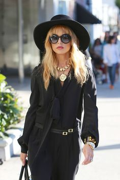 Check out why Rachel Zoe was our last weeks What to Wear Wednesday! Mega Fashion, Star Fashion, Rachel Zoe Style, Rachael Zoe, Seventies Fashion, Trends, Mode Inspiration, Fashion Stylist, Her Style