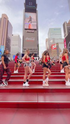 Hip Hop Dance Videos, Dance Workout Videos, Dance Music Videos, Dance Choreography Videos, Cool Dance Moves, Dance Tips, Crazy Things To Do With Friends, Wow Video, Photographie Portrait Inspiration