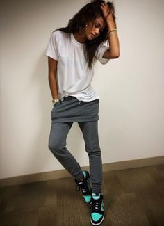 Style tomboy zendaya 42 ideas for 2019 You are in the right place about Tomboy Outfit plus size Here we offer you the most beautiful pict Zendaya Swag, Zendaya Street Style, Zendaya Mode, Zendaya Outfits, Tomboy Outfits, Tomboy Fashion, Casual Outfits, Cute Outfits, Fashion Outfits