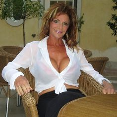 sexy-deauxma-breast-sue-simmonds-glamour-pictures