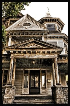 Talk about designing a house with many levels and styles...this is it.  Actually I think it is fun and very interesting. A view from every height. Would love to own this and restore. Sigh.