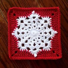 afghans New FREE Crochet Granny Square Patterns - New FREE Crochet Granny Square Patterns Granny Squares are a Crochet staple and can be used for so many projects, although blankets are my favorite. Crochet Snowflake Pattern, Crotchet Patterns, Crochet Blocks, Crochet Snowflakes, Granny Square Crochet Pattern, Afghan Crochet Patterns, Crochet Squares, Crochet Granny, Crochet Motif