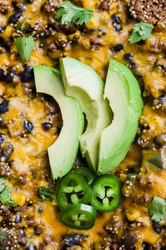 This Turkey Taco Quinoa Skillet is perfectly spicy, full of protein and a cheese lovers dream! It's made in one skillet and takes only 30 minutes! Ground Turkey Tacos, One Skillet Meals, Healthy Tacos, Cheese Lover, Cheesy Recipes, Quinoa, Dinner Ideas, Spicy, Protein