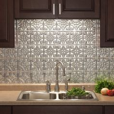 Fasade Traditional Style #1 Brushed Aluminum 18-inch x 24-inch Backsplash Panel - Free Shipping On Orders Over $45 - Overstock.com - 17446144 - Mobile