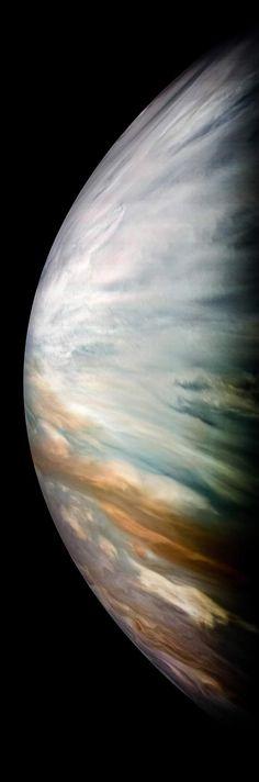 NASA Shares 30 Breathtaking Photos Of Jupiter Taken By The Juno Spacecraft Juno Jupiter, Sistema Solar, Full Solar Eclipse, Nasa Juno, Great Red Spot, Juno Spacecraft, Gas Giant, Outer Space