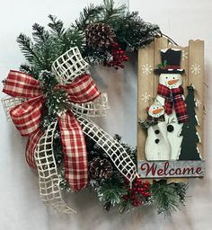 Hey, I found this really awesome Etsy listing at https://www.etsy.com/listing/569301348/winter-snowman-wreath-snowman-wreath