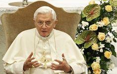 """""""O humanismo que exclui Deus é um humanismo desumano"""" (Bento XVI)"""