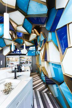 v2com newswire | Commercial Interior Design | Reinventing a walk on the bottom of the sea - Jean de Lessard, Designers Créatifs  @Imagicom, Francois Laliberté
