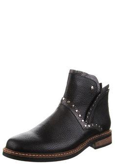 Botas 2018 / 2019 - Femeninas con plataforma   Dafiti Argentina Laura Herrera, Ankle, Boots, Fashion, Black Leather Boots, Brown Leather, Shoe, Wedge, Over Knee Socks