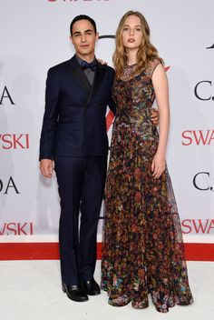 Zac Posen and Maya Thurman-Hawke (in Zac Posen) at the 2015 CFDA Fashion Awards. See all the looks from the night.