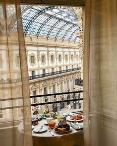 Townhouse Galleria, Milan Milan Hotel, World Traveler, Townhouse, Louvre, Around The Worlds, Restaurant, Adventure, Architecture, Building