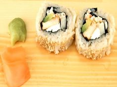 Chicken Teriyaki Sushi Rolls Recipe Video by TheJapanFoodChannel Sushi Roll Recipes, Meat Recipes, Seafood Recipes, Asian Recipes, Appetizer Recipes, Cooking Recipes, Turkey Recipes, Appetizers, Sushi Recipe Video