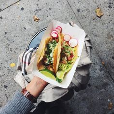 New York City is filled with restaurants everywhere you turn and it can be difficult to decide on an option for lunch. Here's a guide to a variety of lunch options whether you feel healthy or more indulgent.