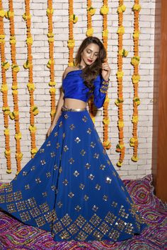 Bollywood Reporter: Kiara Advani beautiful photoshoot at her new movie launch. Indian Wedding Outfits, Indian Outfits, Sangeet Outfit, Party Wear Lehenga, Kiara Advani, Desi Clothes, Indian Clothes, Indian Attire, Indian Wear