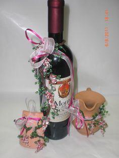 Tanti decori per la casa creati con grappoli di uva fatti di perline....bellissime idee regalo......