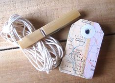 Travel Theme Wedding Gift Tags Vintage Map Hole di MagpieandMax,