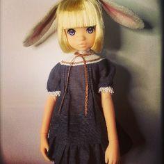 今日のるるこ  みんなの金髪ボブるるこが可愛いので頑張ってボブにしたけど スゴく難しいですね (´;ω;`) #ruruko #doll